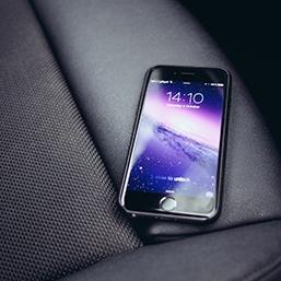 Envoi SMS par internet - quels avantages pour l'automobile ?