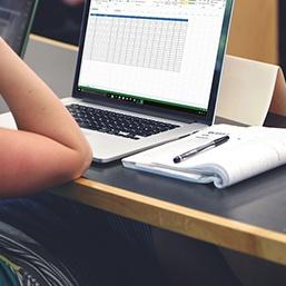 Comment créer un fichier client avec Excel ? 5 étapes essentielles